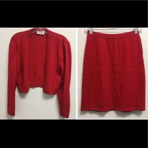 ST JOHN BY MARIE GRAY RED KNIT SUIT SIZE 4